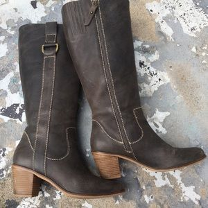 Fossil brown distressed leather boots women's 8